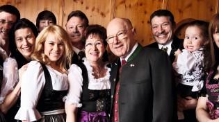 Kaltschmid-Hotels-Familienfoto